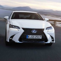 LEXUS'TAN İKİ YENİ MODEL: GS VE RC