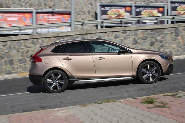 VolvoV40_CerenGuc_1