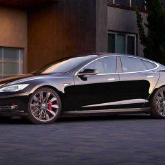 Tesla eski Apple çalışanlarını işe alıyor